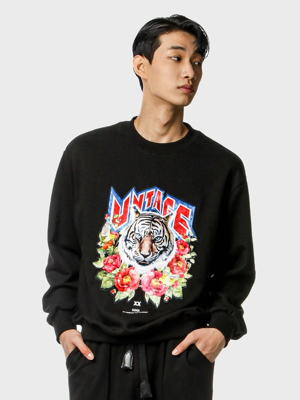 tiger emblem sweat shirts